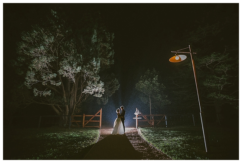 relaxed photography, night photography, wet wedding,bendooley estate, Berrima, Southern Highlands, wedding,
